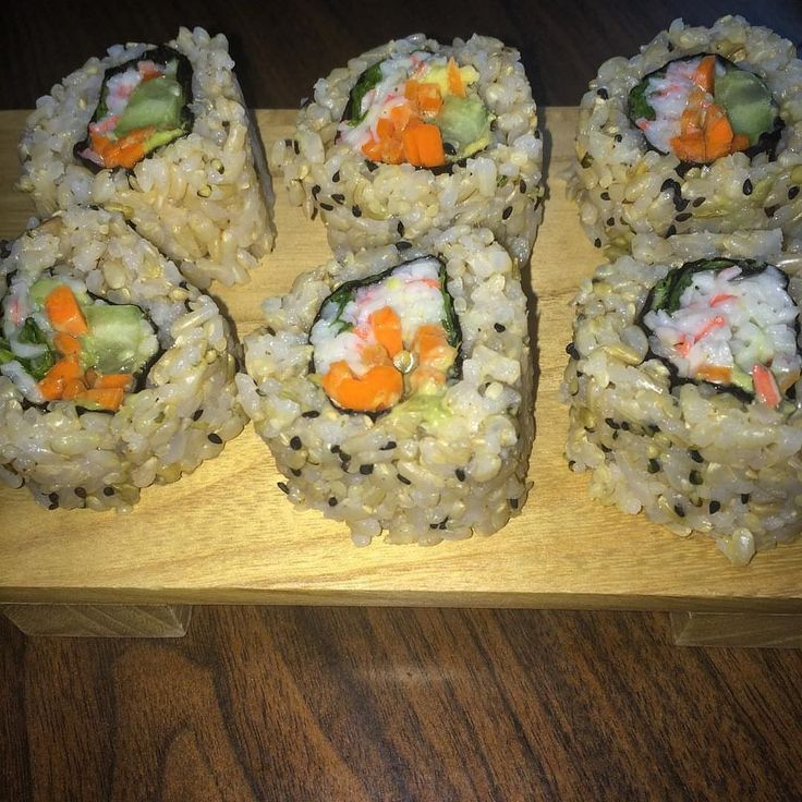 Brown rice sushi turned out successful! Made by @babbitmint with hemp seeds and black sesame seeds. #brownrice #brownricesushi #broshi #sushi #californiaroll #food #hungry #california #hempseeds #hemphearts #rice #yummy #sushiroll #homemade #homecooking #girlswhocook #fitfood #hempfood #hemphearts #hemplife #hemp4life #love #hippie #hippies
