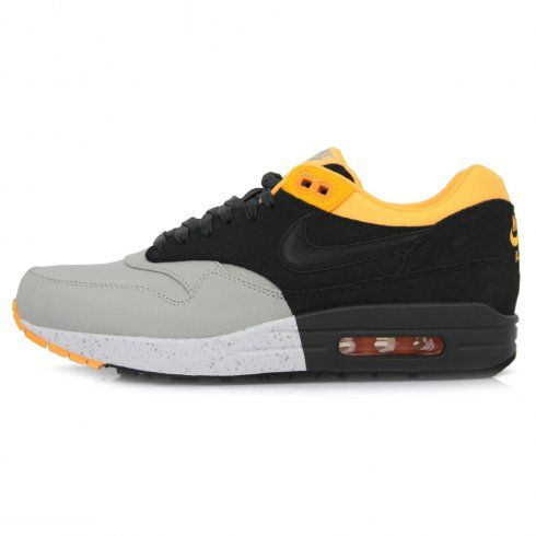 Wicked Pair of Simple yet stylish Nike Air MAx 1's http://www.stuartslondon.com/footwear-c67/trainers-sneakers-c69/nike-air-max-1-prm-pl-grey-shoe-512033-008-p14917