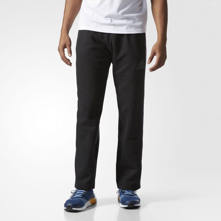 When the temp makes your teeth chatter, slip into these men's workout pants for the trip to the gym. Made with soft fleece, the pants have a comfortable drawcord-adjustable waist.