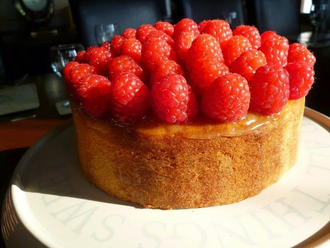 Lemon Maderia Cake Recipe with Lemon Curd and fresh Raspberries perfect for Afternoon Tea #cake #lemon #recipe