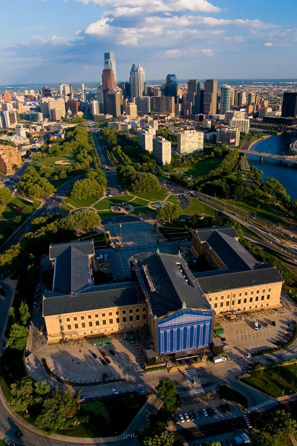 Awesome arial view of the art museum up to center city. Philly you are beautiful from above