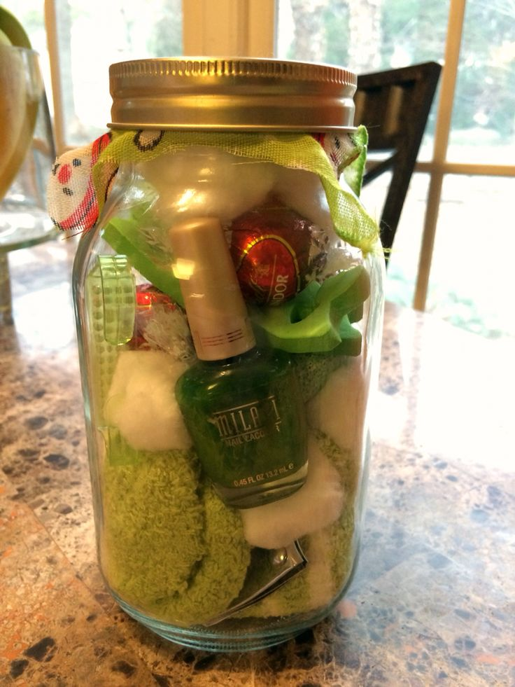 this one could be grinch themed! DIY Christmas Gift. Cheap and easy- all Dollar Tree Items. Pedi-pamper mason jar with nail polish, fuzzy socks, nail file, clippers, Lindt chocolate, cotton balls, and toe separators. Made for $5! Great for girlfriends and coworkers, teens, teachers, and babysitters.