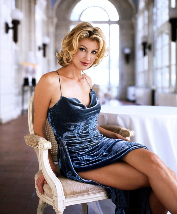 Фэйт Хилл (Faith Hill) в фотосессии Джорджа Хольца (George Holz) для журнала InStyle (1999), фотография 2