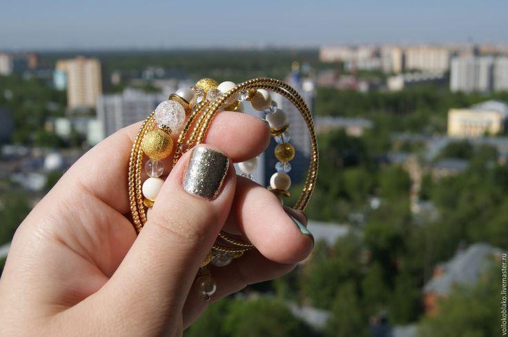 """Купить Браслет """"Золотая лихорадка"""" - золотой, браслет, жесткий браслет, браслет на мемори, белый, блеск"""