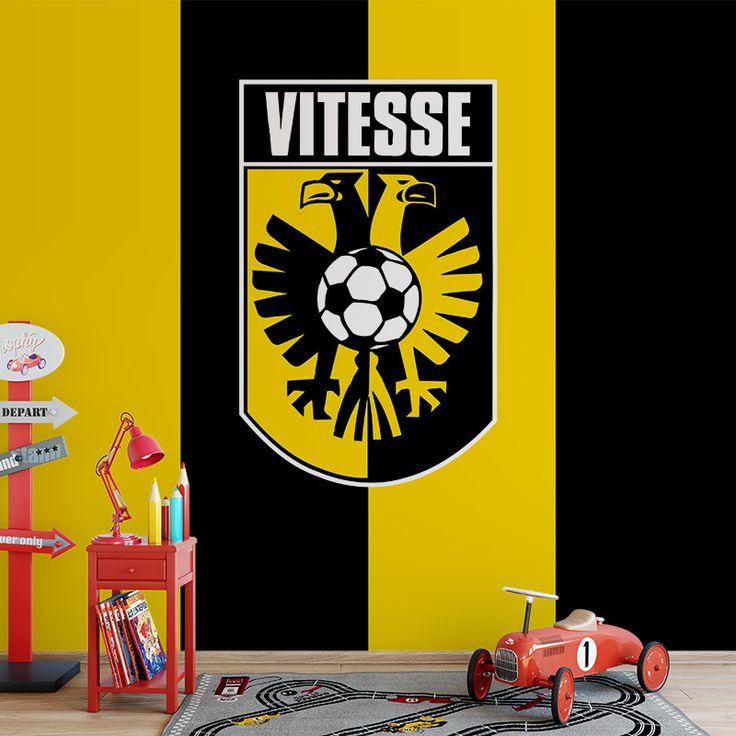 Fotobehang Vitesse | Maak het jezelf eenvoudig en bestel fotobehang voorzien van een lijmlaag bij YouPri om zo gemakkelijk jouw woonruimte een nieuwe stijl te geven. Voor het behangen heb je alleen water nodig!   #behang #fotobehang #print #opdruk #afbeelding #diy #behangen #vitesse #club #voetbal #geel #zwart #supporter #arnhem #logo #embleem #jongenskamer #sport