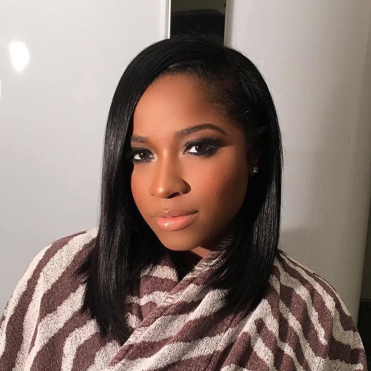 """""""Here's a closeup of Toya Wright's NYE glam! For foundation, I mixed a touch of Kevyn Aucoin Sensual Skin Enhancer with @ajcrimson foundation, which I fall…"""""""