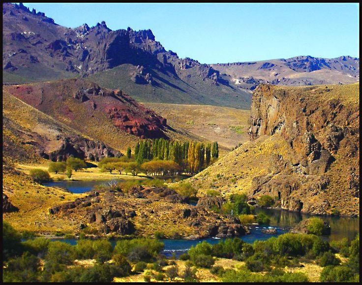 """Paisajes y """"""""Rio Limay"""""""" este rio sirve de limite entre las provincias de Neuquen y Rio Negro"""