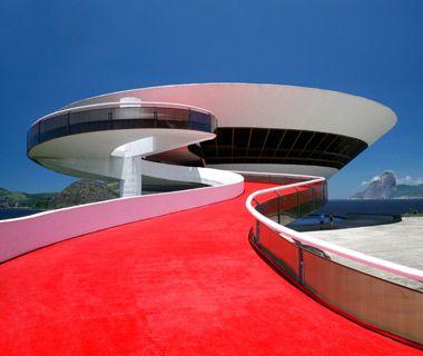 Museu de Arte Contemporânea, Niterói, Brasil. Oscar Niemeyer