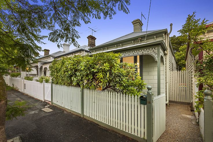 25 Henry St, HAWTHORN Auction 11am 27th February 2016 SOLD $1,150,000