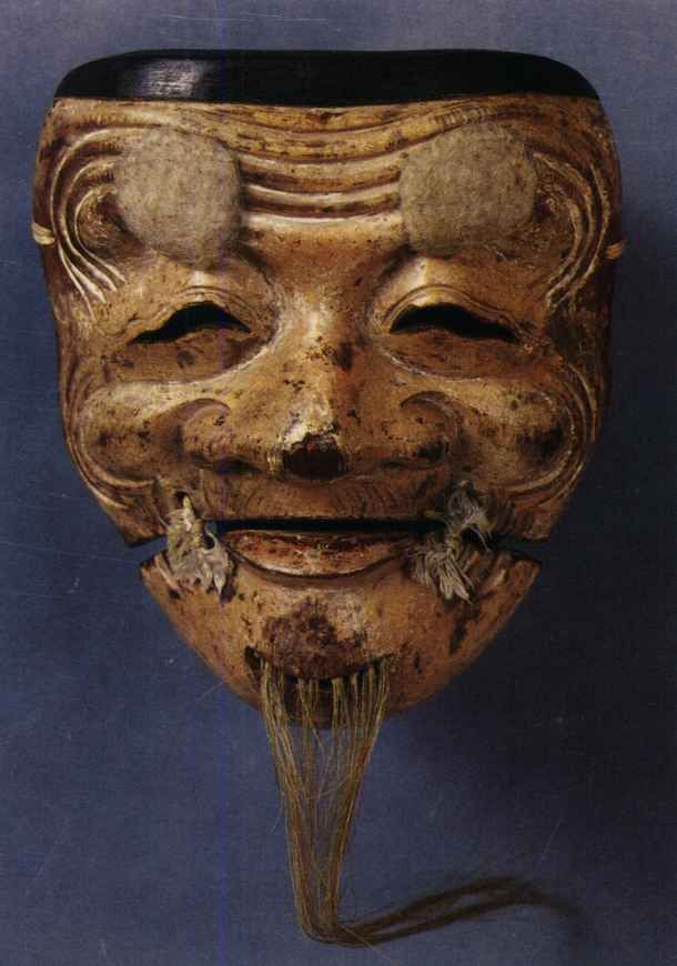 Noh mask, Okina (old man), earliest known Okina, owned by Hosho-ke 「翁」の能面 日光作 寶生家蔵 亀田邦平氏撮影 現存する最古の翁と伝わる