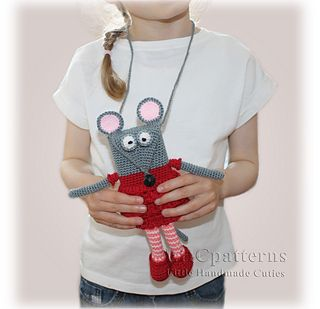 Ravelry: Mouse Mobile Case/Pouch pattern by Kristine Kuluka