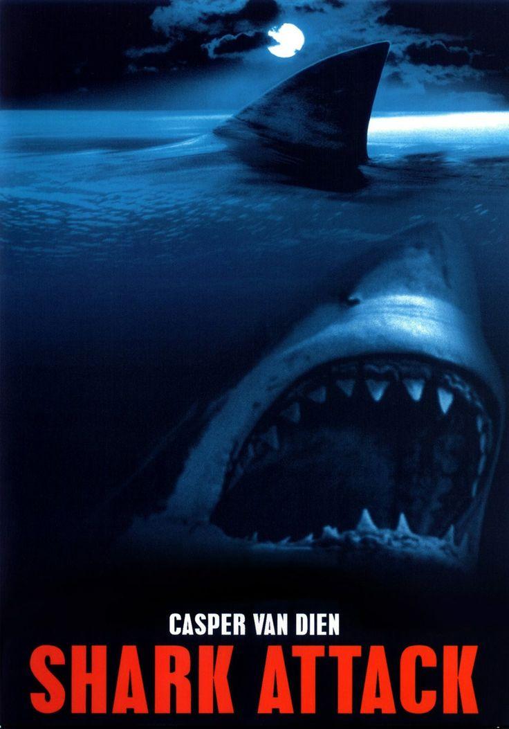 Shark Attack – Τα Σαγόνια Του Τρόμου (1999) ★Ύστερα από το απρόσμενο ξέσπασμα θανατηφόρων επιθέσεων καρχαριών, ένας υδροβιολόγος επισκέπτεται τη μικρή παραθαλάσσια αφρικανική πόλη Port Amanzi για να λύσει το μυστήριο γύρω από τις επιθέσεις στις οποίες βρήκε τραγικό θάνατο κι ένας φίλος του επιστήμονας. Εκεί, πέραν των μανιασμένων καρχαριών, έρχεται αντιμέτωπος και με τους υπεύθυνους μιας μυστικής συνωμοσίας που θέτει σε κίνδυνο την ίδια του τη ζωή καθώς και της φιλενάδας του.