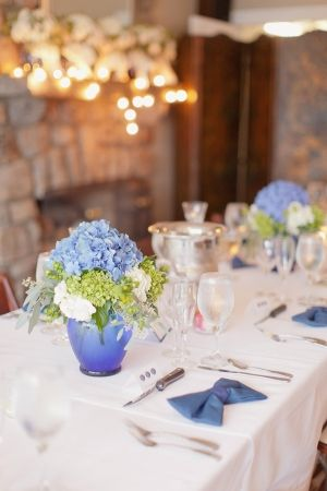 Blue, green and white reception decor | photography by http://www.elisabethmillay.com/