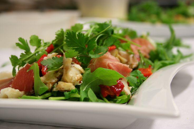 Salade Cabillaud, tomates confites, poivrons, coriandre