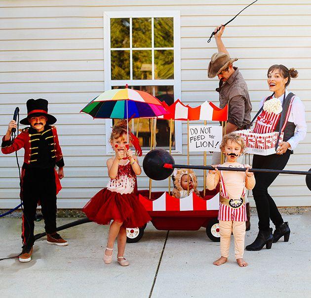 17 Meilleures Id Es Propos De Circus Family Costume Sur Pinterest Costume De Cirque Et