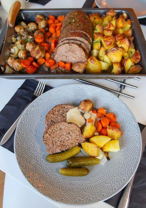 En saftig och god köttfärslimpa är aldrig fel. Jag tillagar min köttfärslimpa tillsammans med potatis, lök, champinjoner och morot i långpanna. Det blir en riktig festmåltid som sköter sig själv i ugnen. Gott att servera med gräddsås, lingonsylt eller saltgurka. 8 portioner köttfärslimpa 1 kg köttfärs 1 dl ströbröd 2,5 dl mjölk 2 ägg 1 gul lök 1,5 tsk dijonsenap (kan uteslutas) 2 tsk paprikapulver Ca 2 tsk salt (gärna örtsalt) Ca 0,5 tsk svartpeppar Grönsaker: 10-12 st potatisar 2 gula…