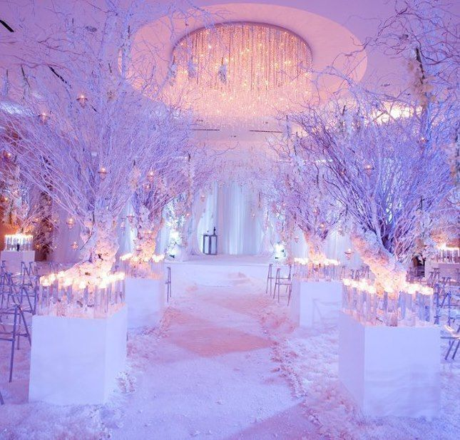 Marvelous Winter Wonderland Wedding Decorations Ideas Part - 12: 19 Incredibly Perfect Altars And Aisles | Strictly Weddings, Weather And  Change