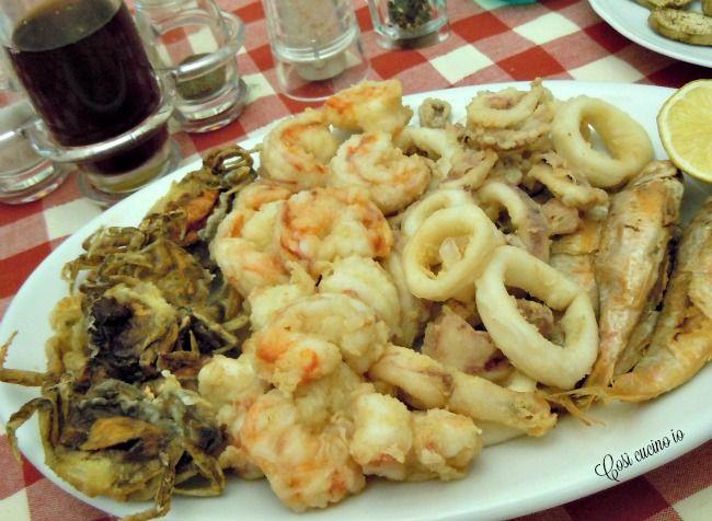 La frittura mista alla veneziana consistein un invitante piatto di pesce di piccola taglia di vari tipi,semplicementepassati in farina (senza pastella)