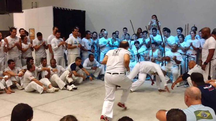 Roda Mestres e Formados II - Encontro Internac Capoeira - Mestre Paulinho - Brazilian capoeira, the largest expression of popular culture in the Brazilian Northeast, is a game and also a dance that shows incredible acrobatics and refined dynamic balance.