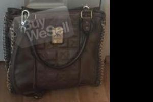 http://www.ibuywesell.com/en_AU/item/Kim+Kardashian+Handbag+Bendigo/62632/