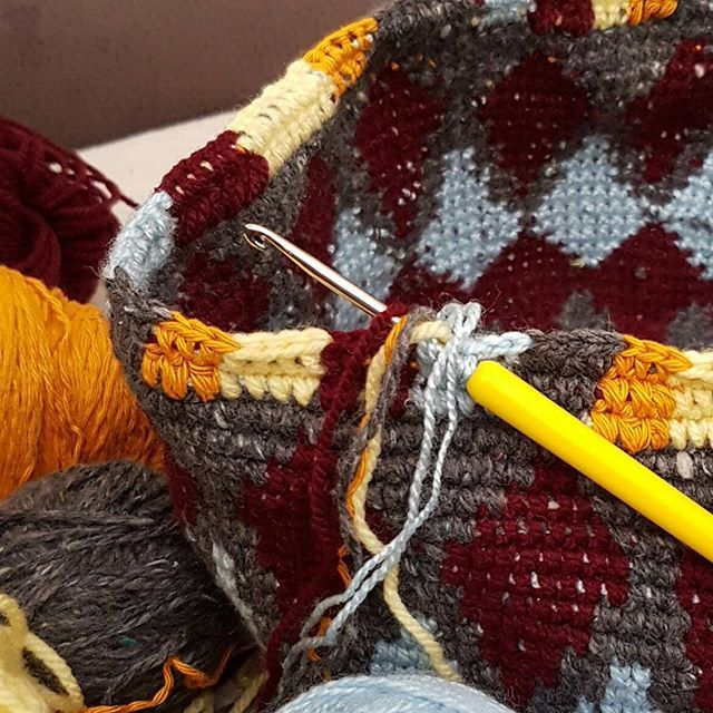 moje nové #wayuu #ucimsawayuu ...in progress... в процессе... #учюсьвязатьwayuu #aprendercrochetwayuu #crochet #hacik #hackovanie #hackovanakabela 👜 #vlastnymirukami #mojimirukami  #wayuubag  #hackovanyvak