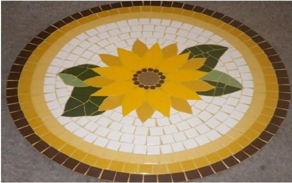 Mesa em Mosaico de Girassol - R$600.00