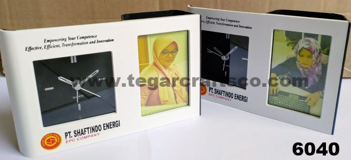 PT. Shaftindo Energi is a professional and reliable provider of Construction Services, Coatings, Environment and Construction Development in Indonesia and trusted by many leading companies in the field of Oil and Gas and chemical industry. As a tribute to employees and staff for their great work for a full year PT Shaftindo Energy ordered 6040 frame photo frame to Tegarcrafts complete with logo branding and printed photos of employees one by one.