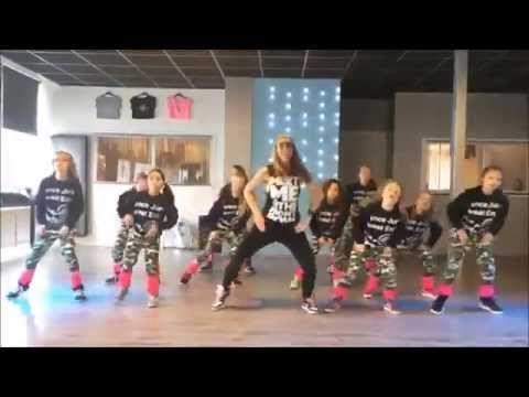 Meghan Trainor - Better when I'm Dancing - Easy kids dance warming-up choreography - YouTube