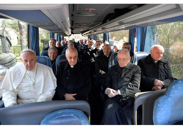 Pope returns to Vatican after Spiritual Exercises, sends donation to Syria - Vatican Radio