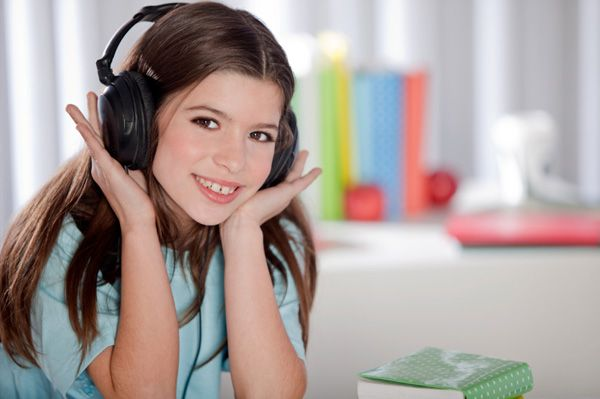 10 pop songs that are appropriate for young kids and school. (No bad language or questionable subject matter)