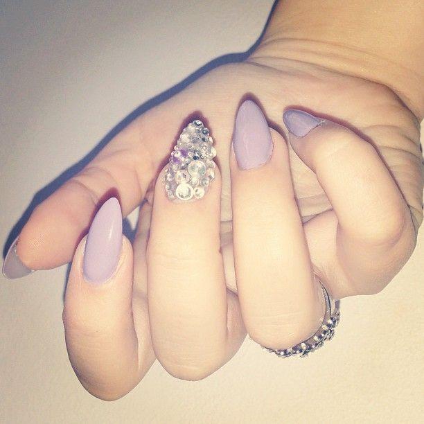 Lavender and gem accent nail. Nail art, pretty nails, nail design.