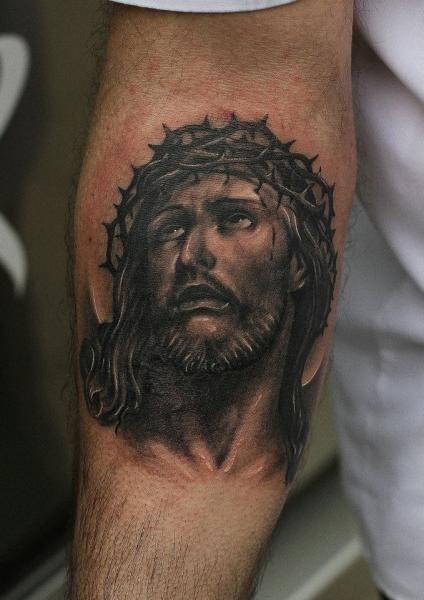 Tatouage Religieux Bras Jésus par Da Silva Tattoo