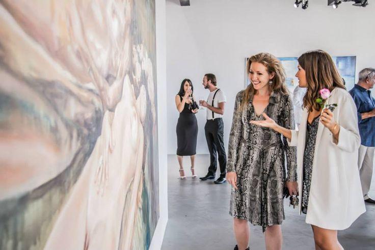 Marine Tanguy discussing Margherita Marzotto's piece, Gabriella. Self-portrait, oil on canvas  www.deregallery.com #deregallery #art #margheritamarzotto