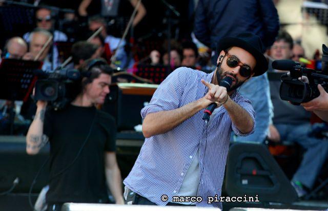 Marco Mengoni a Radio Italia Live 2013, il Video completo    http://www.webl0g.net/2013/05/12/marco-mengoni-a-radio-italia-live-2013-il-video-completo/