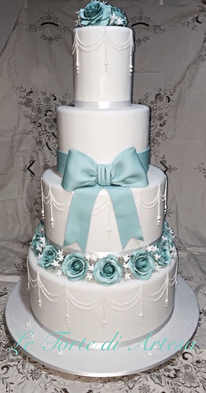 Tiffany wedding cake