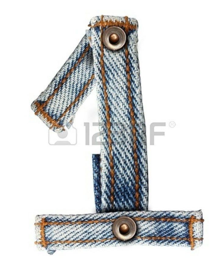 brief van jeans alfabet Aantal op een witte achtergrond op te slaan paden voor ontwerpen photo