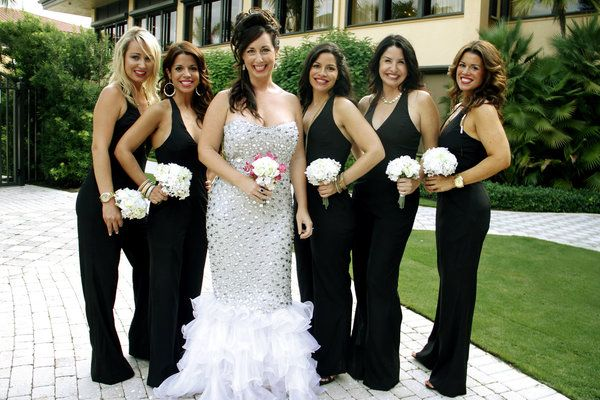 19 Bridal Parties Who Rocked Some Unconventional Wedding Attire