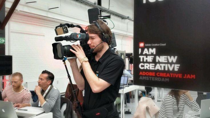 "Twitter @AdobeNederland: ""Om 14:00 uur start de livestream van New Creative Meet Up. Check: http://adobe.ly/1hFY3O9  #createnow pic.twitter.com/cYyERPasN9"" #CreativeJam #Adobe @Adobe #Kromhouthal #Amsterdam"