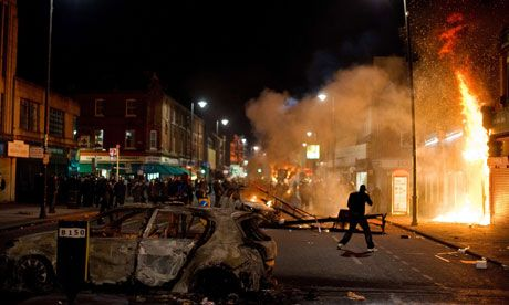 Mad+Mobs+and+Englishmen?+Myths+and+Realities+of+the+2011+Riots+|+Stephen+Reicher+and+Clifford+Stott