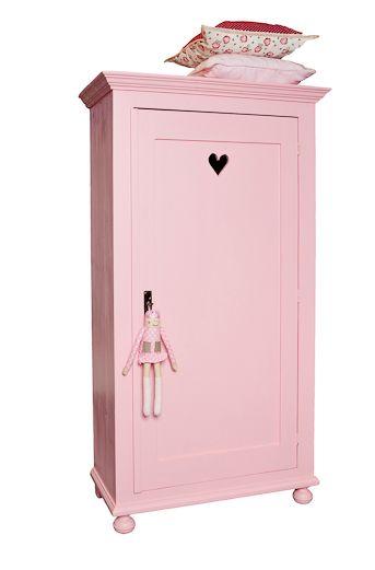 #Linnenkast #kledingkast #roze | Camilla Collection via Kinderkamerstylist