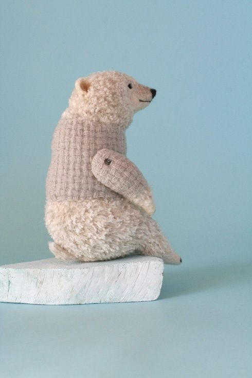 Polar Bear by Yoo Moo - Japanese felting artist