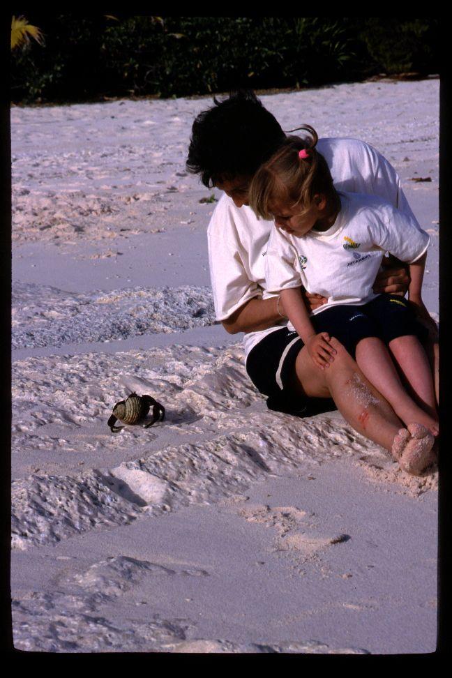 http://www.expedicaooriente.com.br/blog/kat-schurmann-a-historia-da-nossa-jovem-marinheira/