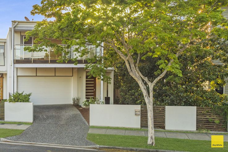 155 Kingsley Tce, Manly -Daytime Front