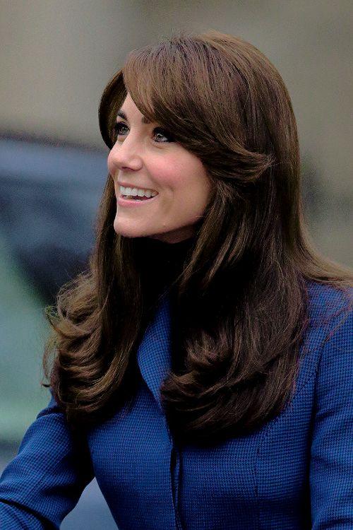 Kate Middleton et le prince William, comtesse et comte de Strathearn en Ecosse, ont pu découvrir le Discovery lors de leur première visite officielle à Dundee le 23 octobre 2015, en lien avec les activités de la duchesse de Cambridge dans le domaine de la santé mentale des enfants. Manteau : Christopher Kane