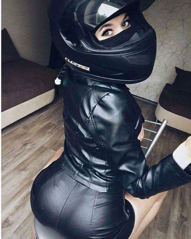 "1,926 Likes, 13 Comments - Biker Girls - Mulheres de Moto (@amantesduasrodas) on Instagram: ""Mulheres de Moto | Girls Biker ❤ PARCEIROS @bikerbrasil PARCEIROS @furia2rodas_fulloriginal…"""