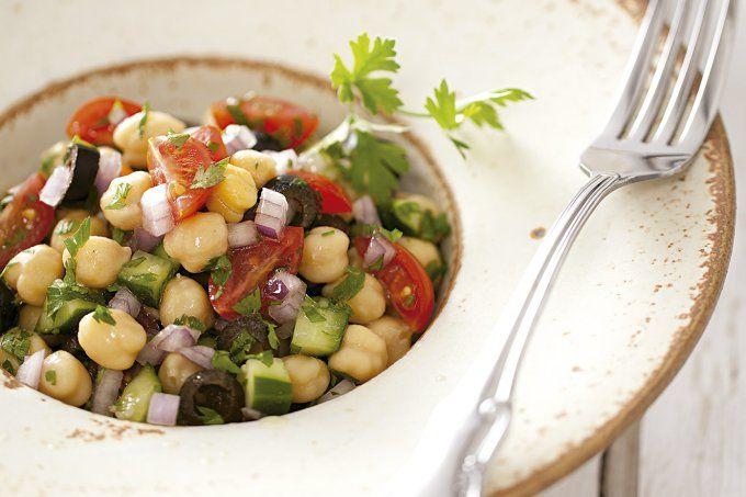Salada levinha de grão-de-bico da Mimis