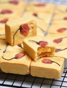 pineapple cake 櫻花鳳梨酥 {recipe in Chinese}