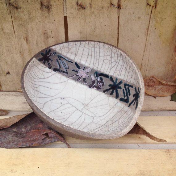 ciotola ceramica raku forma ovale decoro geometrico di LaterraCrea
