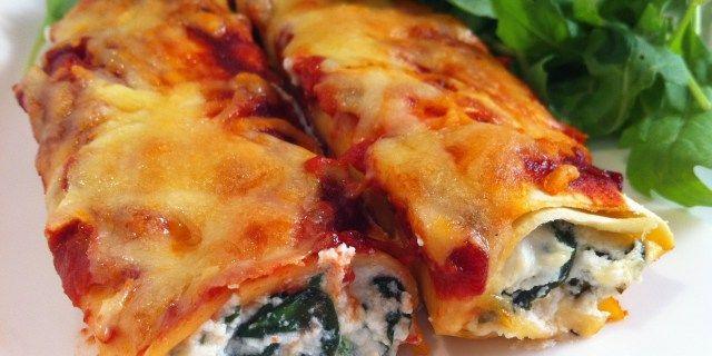 Cannelloni al Forno con Ricotta e Spinaci  Link ricetta --> http://cucina.robadadonne.it/ricetta/cannelloni-al-forno-con-ricotta-e-spinaci/