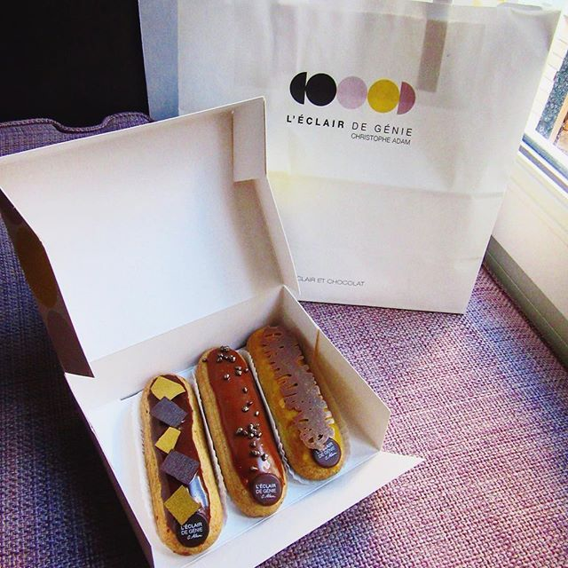 🇫🇷I still remember that mouth watering passionfruit eclair 😍 @leclairdegenieofficiel  #eclairs #sweets #leclairdegenie #paris #spring #throwback #2015  #france  #visitparis  #visitfrance  #love #instaparis #instafrance  #melbournelifelovetravel #loveit  #takemeback  #afternoon  #explore  #live #travel #instagood #instatravel  #instafood #instasweet  #beautiful #picturesque  #magnifique #family #holiday #saintgermaindespres